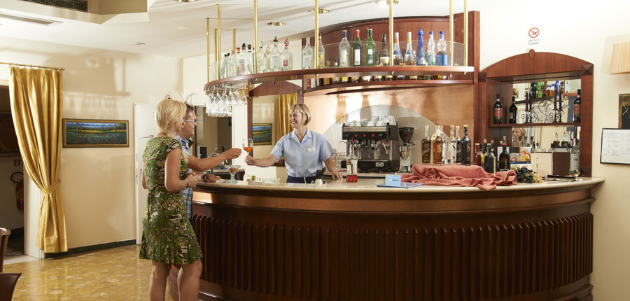 Chalet Hotel Galeazzi, Gardone Riviera, Lake Garda, Italy - bar.jpg